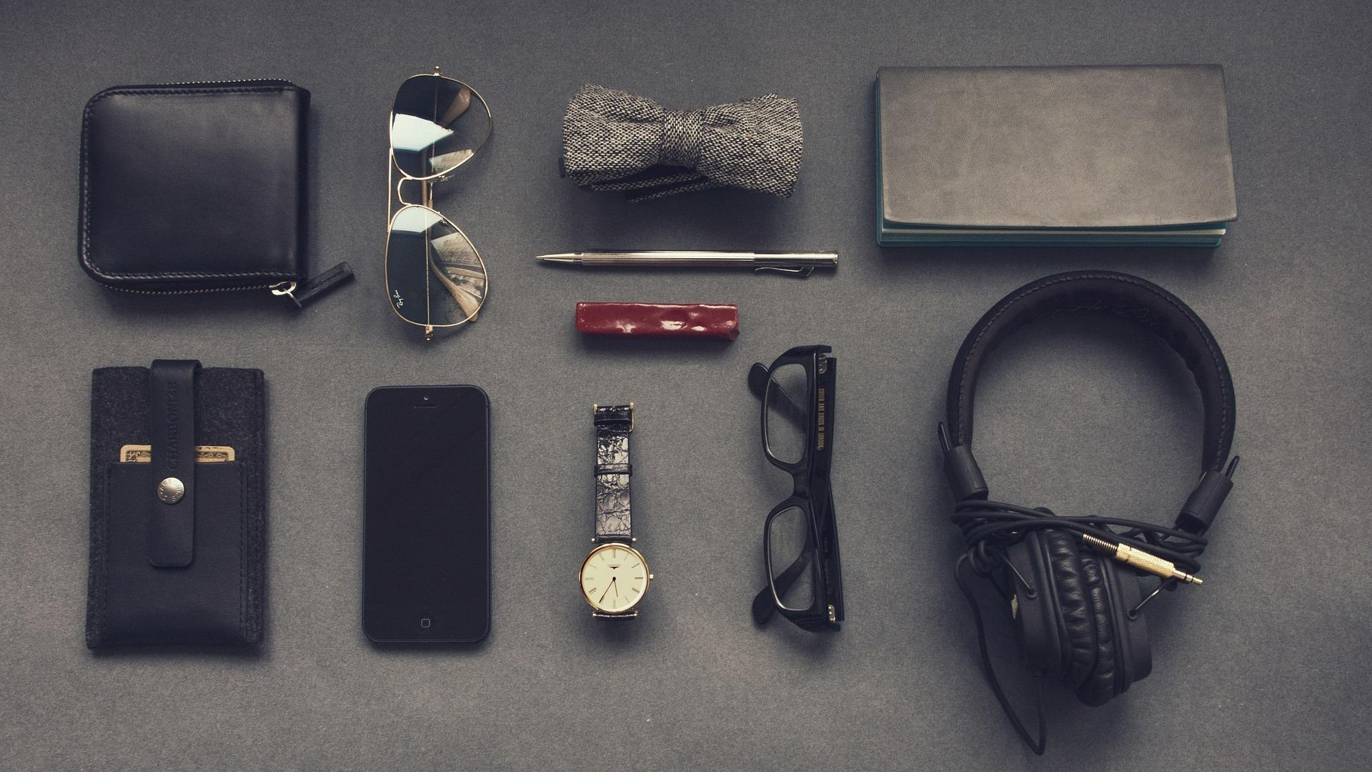 Flat lay photography, the lowdown_1.jpg